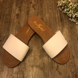 🌻🌞 NEW Slip On Sandals 🌞🌻